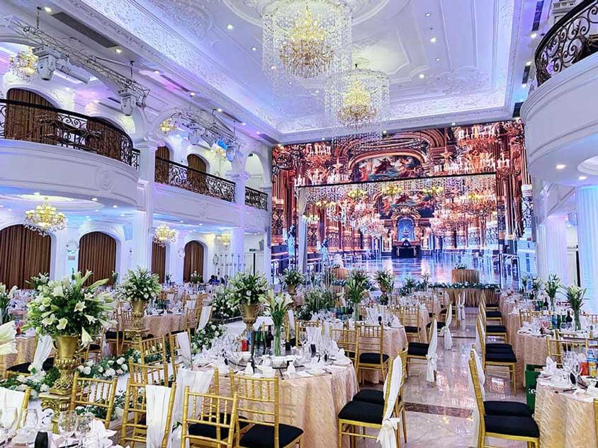 tiệc cưới tổ chức tại trung tâm Queen Bee Đống Đa