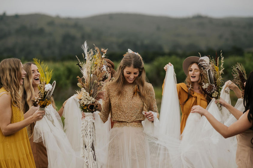 Lưu ý về concept trang phục khi tổ chức đám cưới ngoài trời