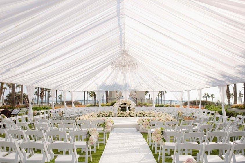Không gian tổ chức tiệc cưới ngoài trời