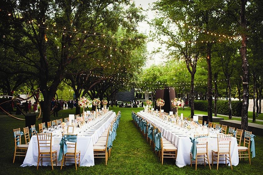 Thoải mái thiết kế không gian tiệc cưới ngoài trời theo ý mình