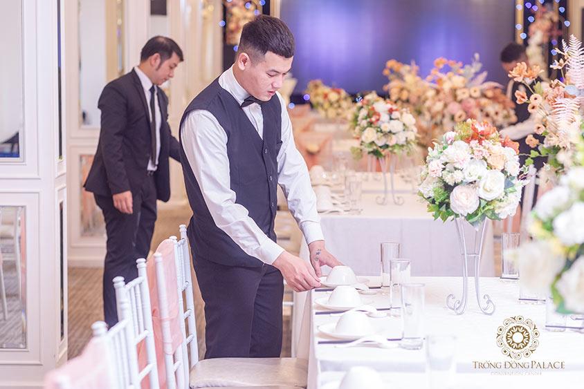 Đơn vị tổ chức chuyên nghiệp giúp tiết kiệm thời gian tổ chức tiệc cưới