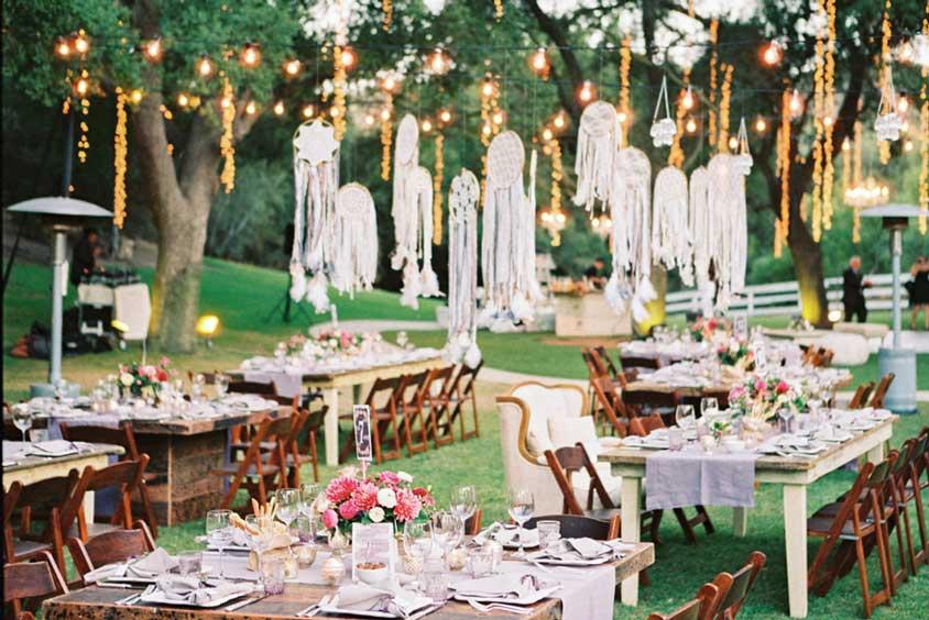 sân vườn tổ chức tiệc cưới buffet