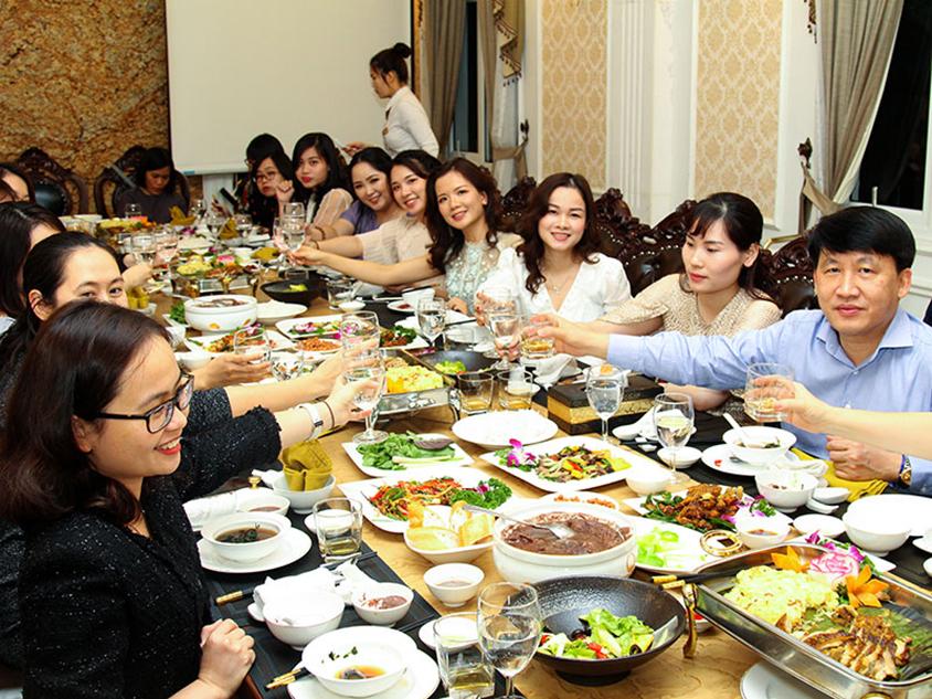 Nhà hàng - địa điểm tổ chức tiệc công ty