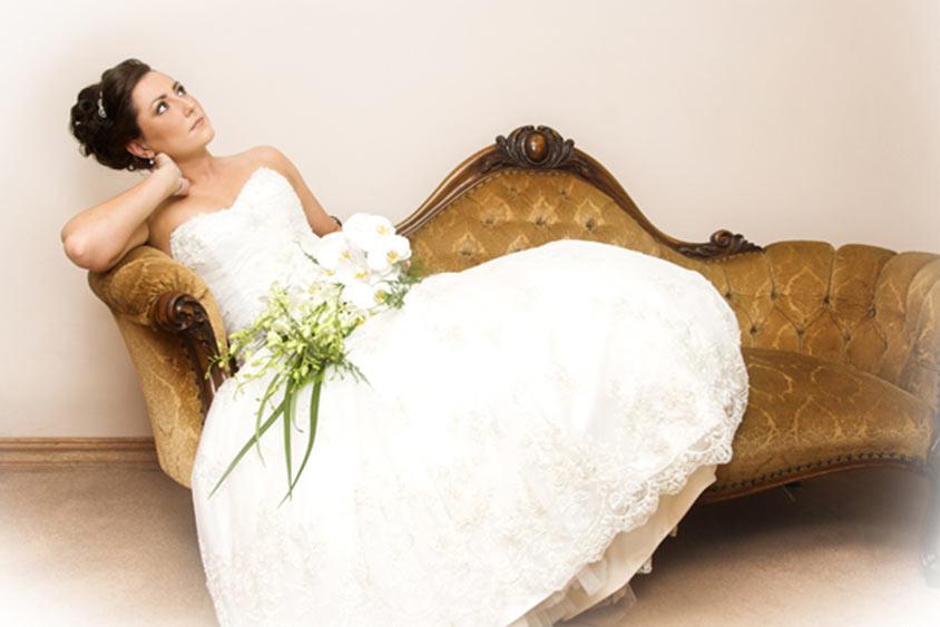 Giữ tâm trạng bình tĩnh dù chỉ còn 1 tháng để tổ chức tiệc cưới